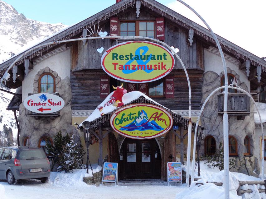 Apres Ski wird in Obertauern ganz groß geschrieben; in der Latschn-Alm kann bis 2 Uhr nachts gefeiert werden. – Foto: Dieter Warnick