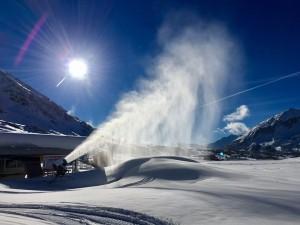 Skiurlaub ohne Stress: Einmal kurz innehalten, um die verschneite Bergwelt zu genießen?