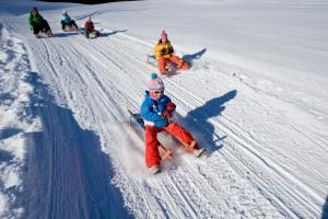 Als Alternative zum Skifahren kann auch eine Rodeltour unternommen werden. (Foto: Obertauern)