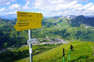 Blick von der Gamsleitenspitze Richtung Obertauern. Ich entschied mich, weiterzugehen und überschritt die Gamsleitenspitze Richtung Westen.